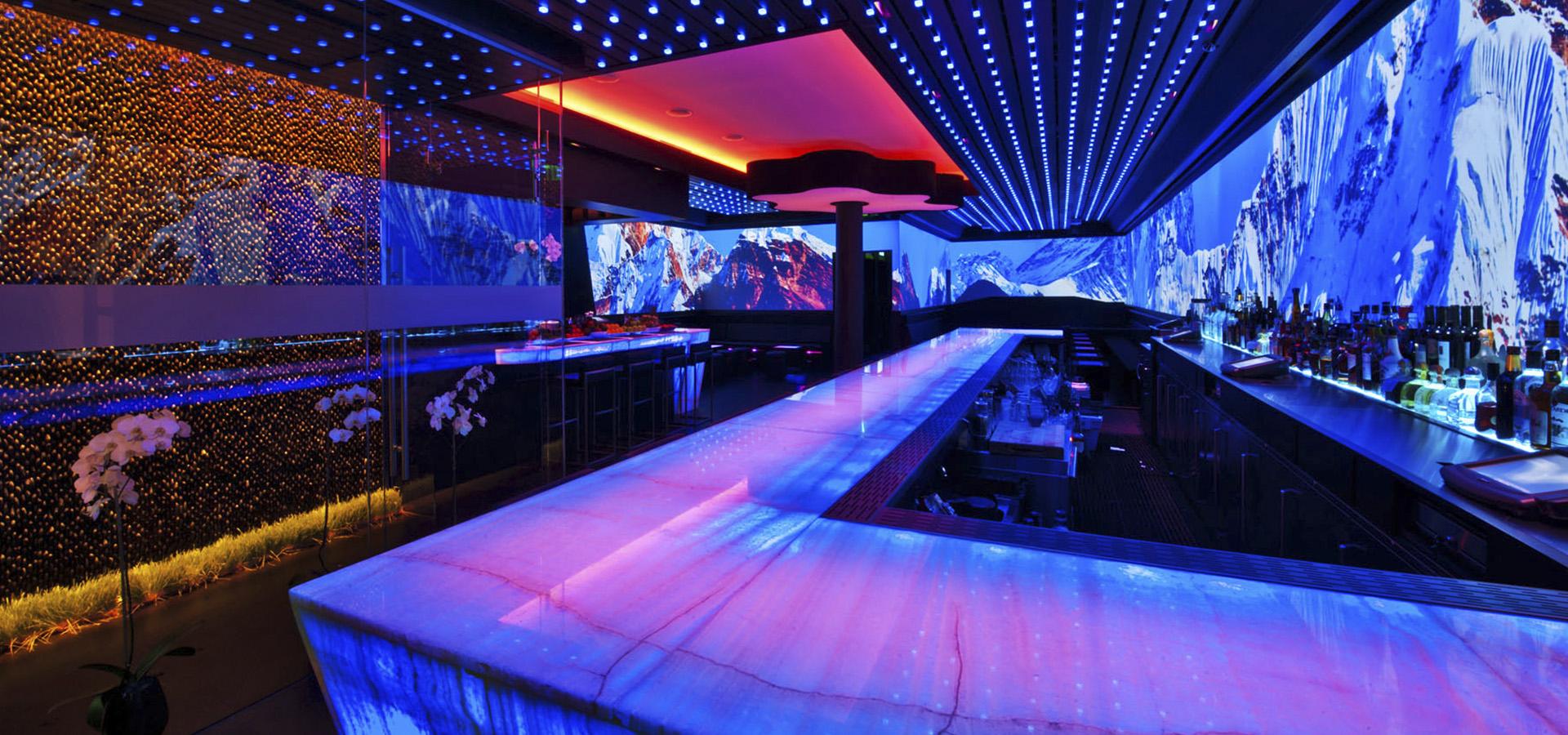 iluminación pub con fibra óptica y LED